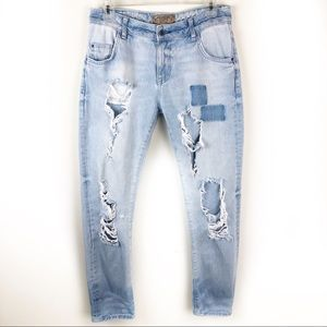 Zara Basic Dept- light wash very distressed jeans